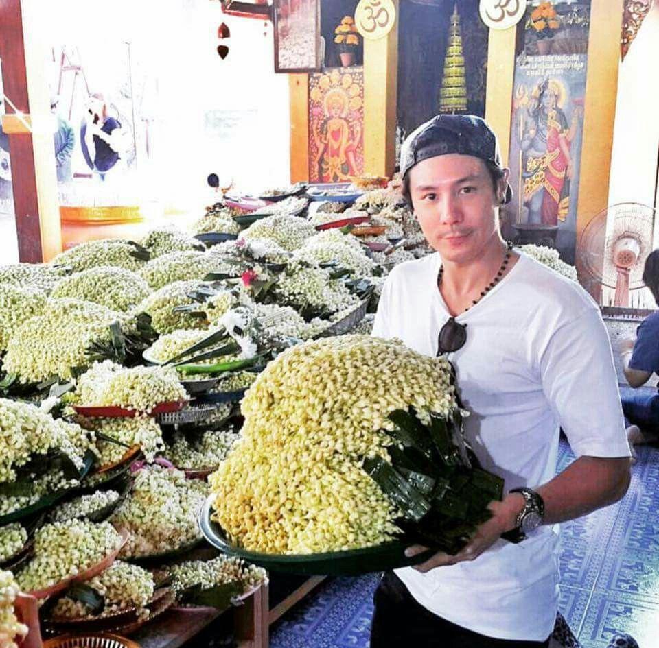 ดอกมะลิ: ดอกมะลิ 999 พวง นมัสการหลวงพ่อทันใจ ตามสัญญาที่เคยให้ไว้ใน