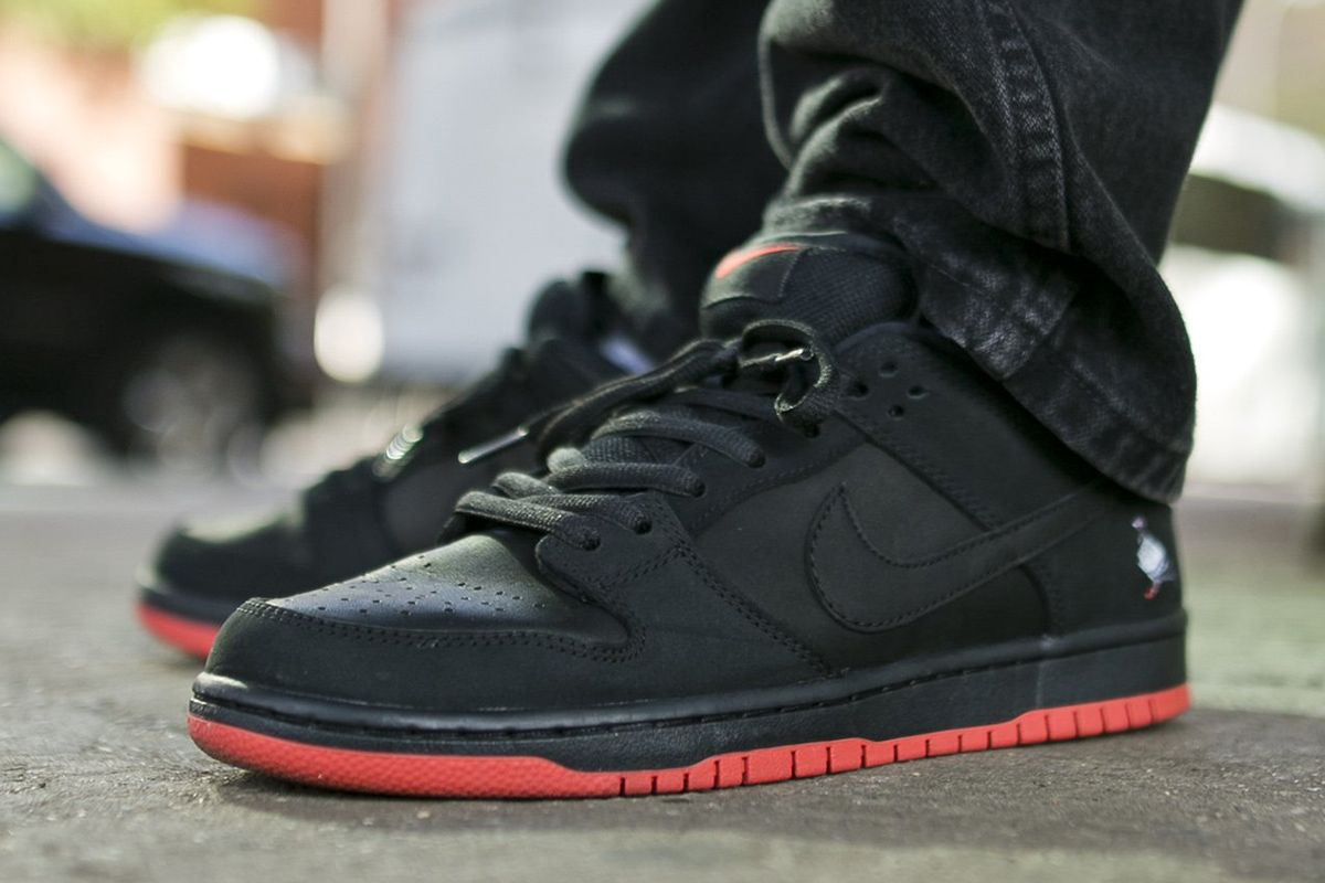 cheap for discount d2b4d b7990 Staple x Nike SB Dunk Low
