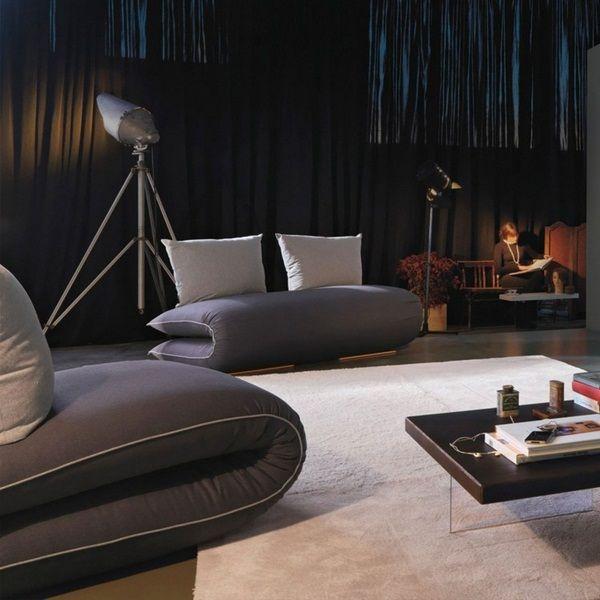 Canapé gris Chama mi Parc jin lago tapis blanc de design moderne et