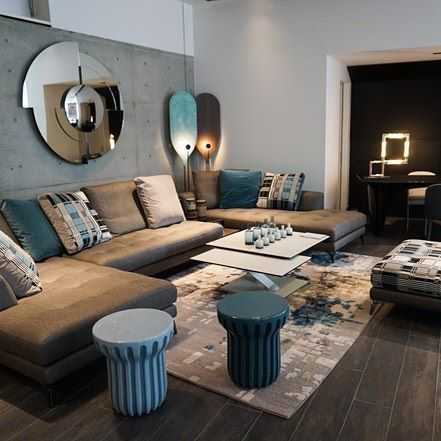 The SYMBOLE sofa in the newly opened Roche Bobois Tokyo showroom - moderne esszimmer mobel roche bobois