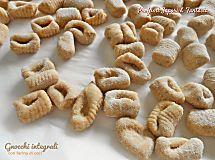 Gnocchi integrali con farina di ceci ricetta di base senza patate facile e veloce