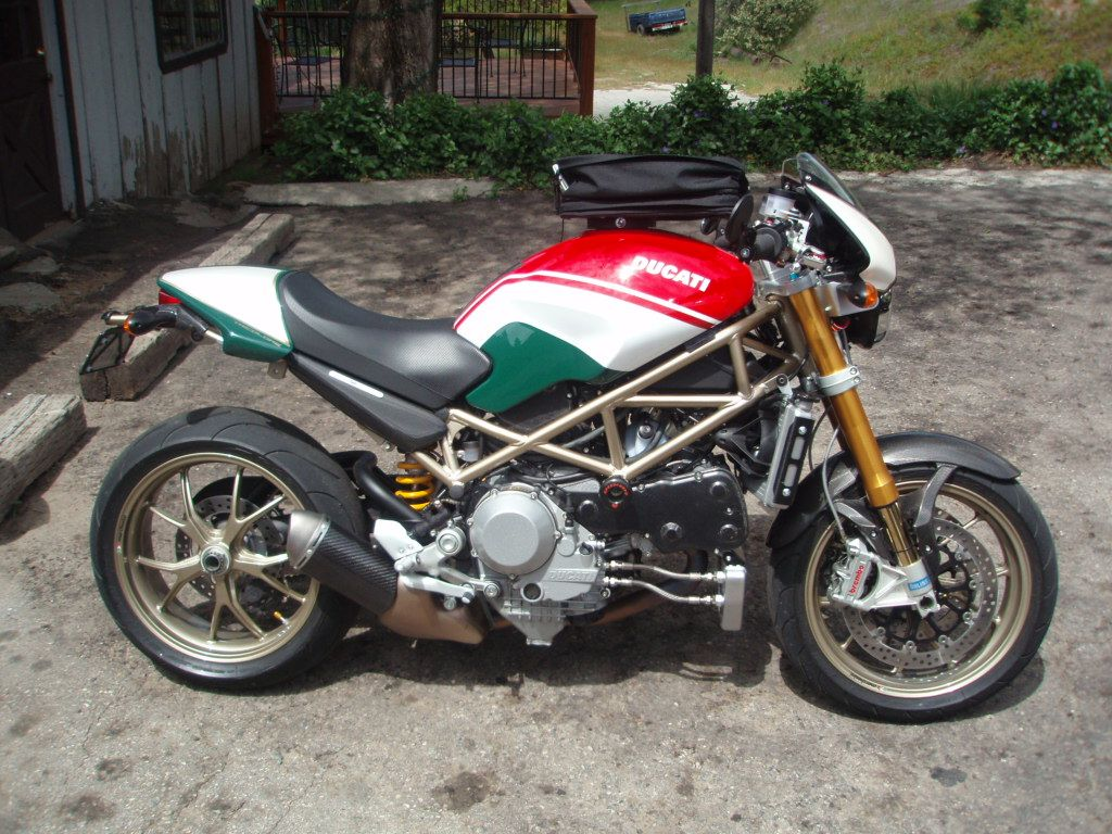 s4rs tricolore ducati monsters pinterest ducati. Black Bedroom Furniture Sets. Home Design Ideas