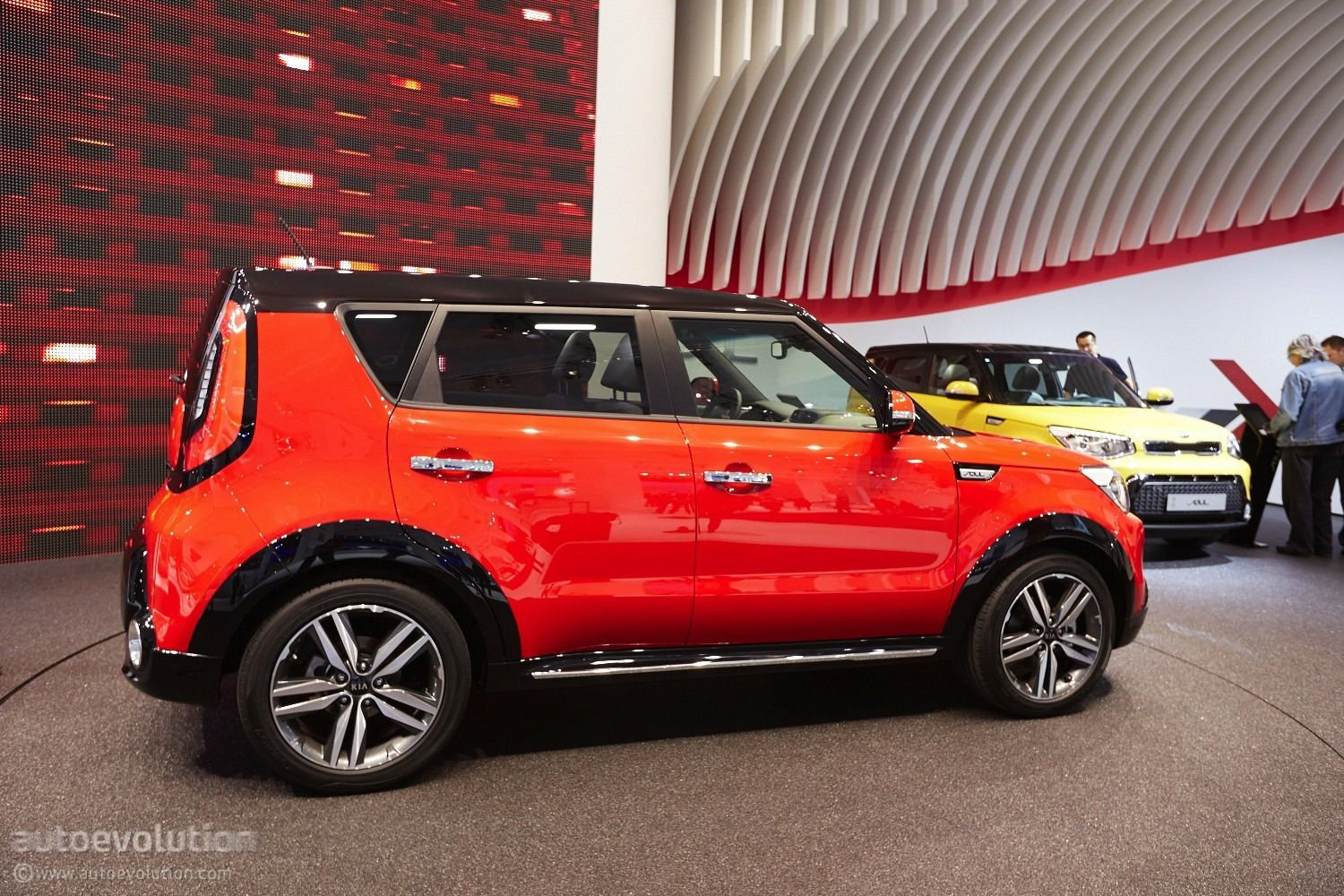 Frankfurt kia soul with suv styling pack live photos