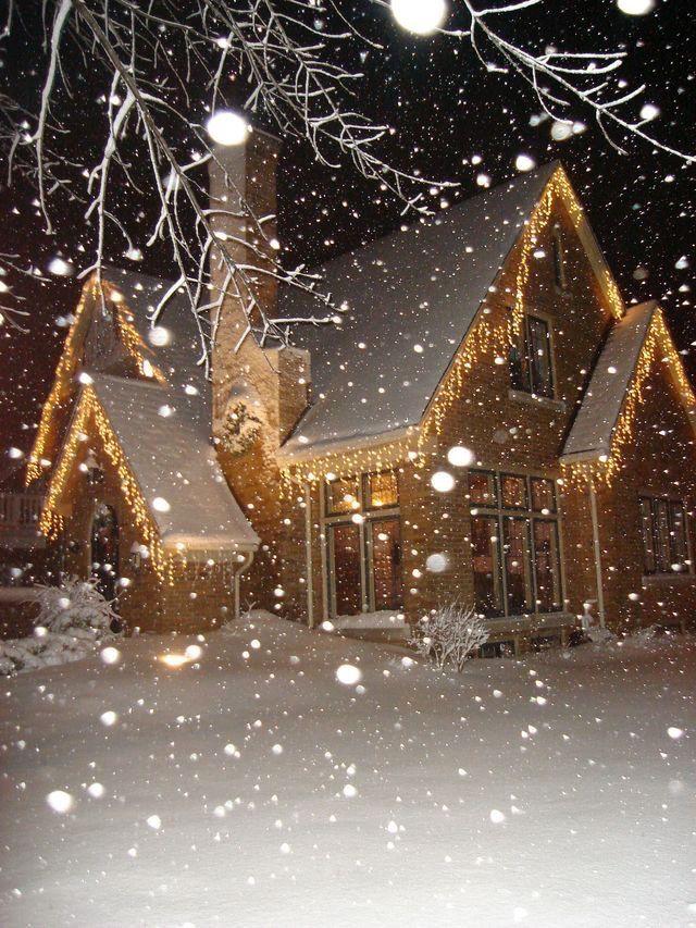Christmas Home With Ice Icicle Lights