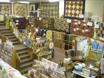 Peddler S Wagon Parkville Mo Quilt Shop Displays Quilt Shop