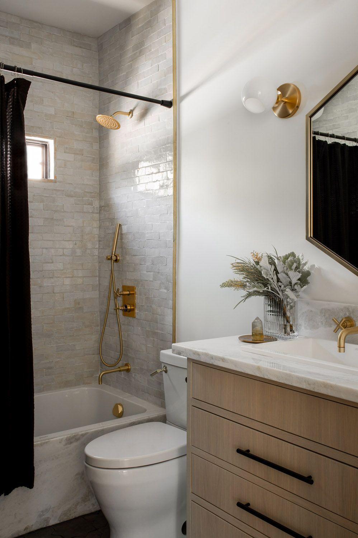 A Tudor Brought Into The 21st Century In Los Angeles Rue In 2020 Bathroom Inspiration Home Decor Inspiration Bathroom Interior