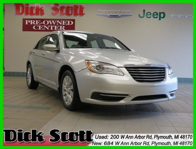 Car Brand Auctioned Chrysler 200 Series Lx 2011 Lx Used 2 4 L I 4