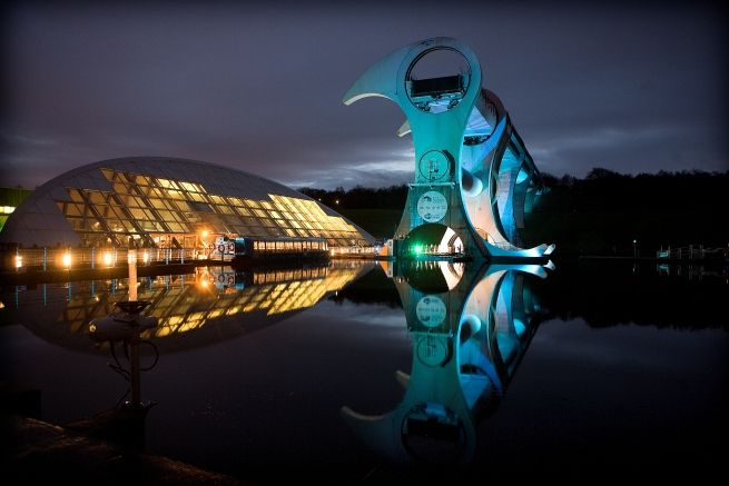 Falkirk Wheel: World's biggest boat lift (source: Pinterest)
