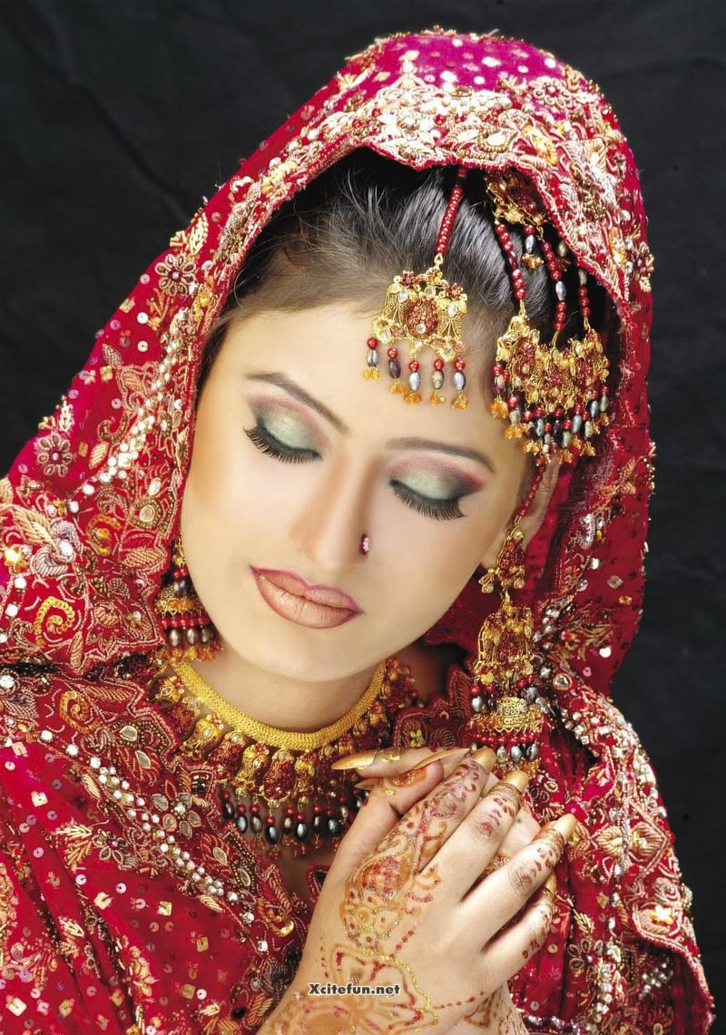 Bridal Eye Makeup With Red Lehenga : Asian Bridal Eye Makeup Jewelry And Hairstyle Oriental ...
