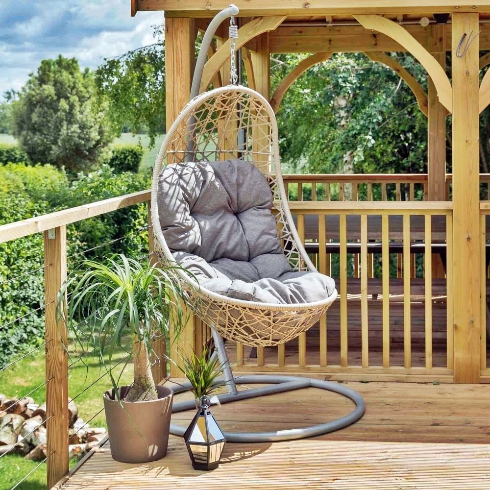 22 Perfect Garden Furniture Ideas to Enjoy Your Spring