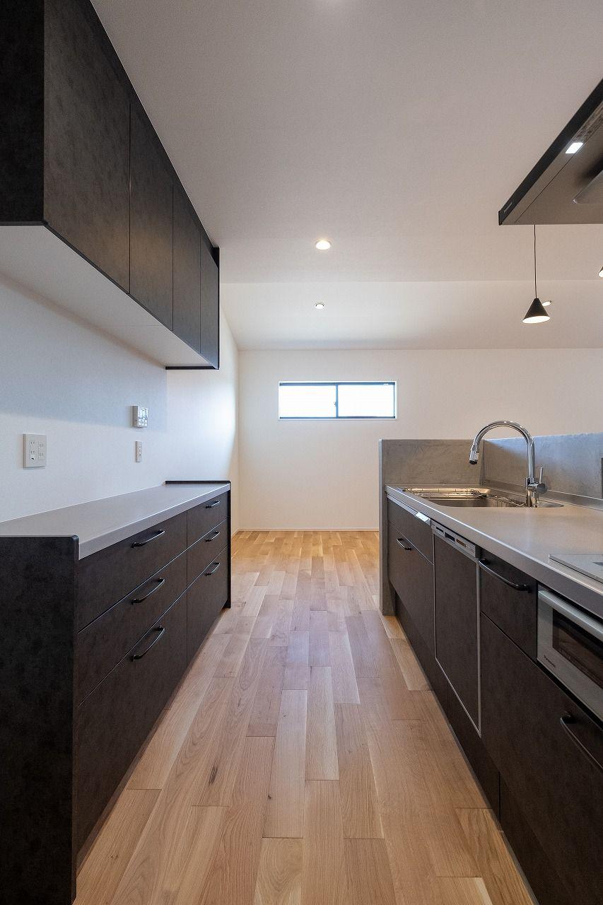 Okamura工房 京都で建てる 木のぬくもりを感じる注文住宅 2020 クールな家 リビング キッチン ヴィンテージメタル