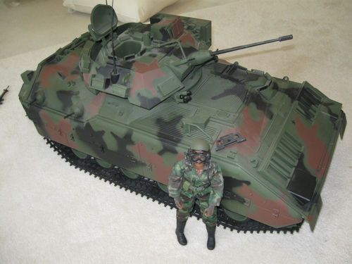 Ultimate Soldier 1 6th Scale M2 Bradley Fighting Vehicle ...