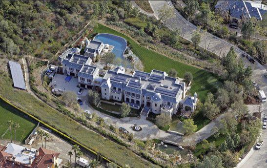 Drake Celebrity Houses Celebrity Mansions Celebrity Homes For Sale