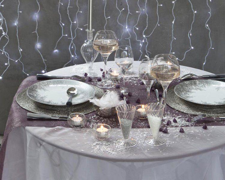 une tr s jolie table dans les tons gris pour de belles occasions decoration artdelatable art. Black Bedroom Furniture Sets. Home Design Ideas