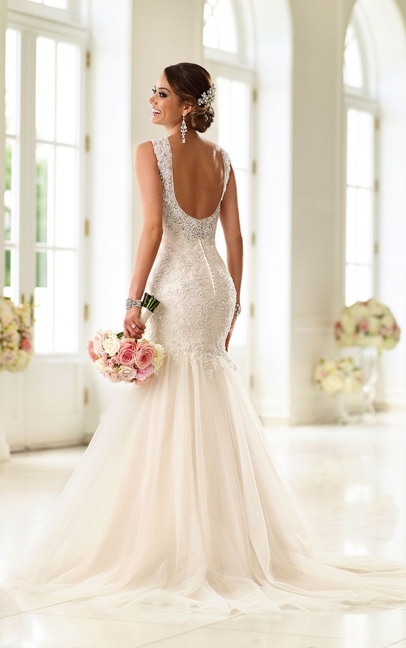 Superb open back sleeveless trumpet elegant lace and tulle wedding dress