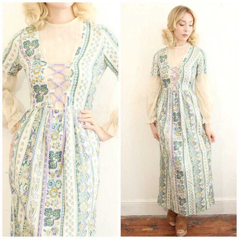 1960s pysch medieval dress Vintage dresses 1960s, Hippie