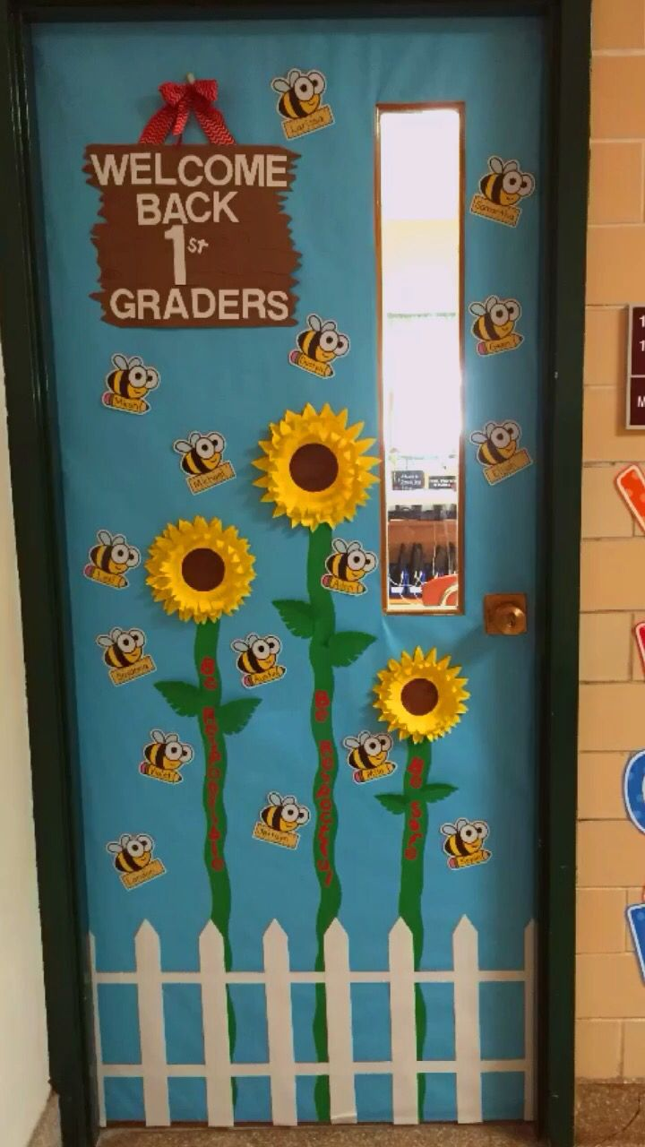 bee and sunflower theme door decoration for back to school classroom door decorations. Black Bedroom Furniture Sets. Home Design Ideas