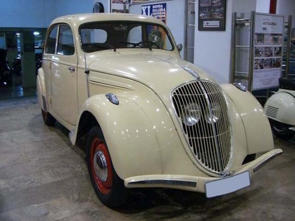 Peugeot 202  (bj 1939), ha oui, peugeot aussi faisait de jolies voitures!