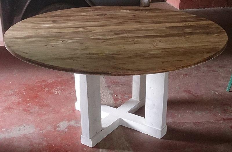 Esta mesa est fabricada con madera reciclada de andamiaje - Mesas madera reciclada ...