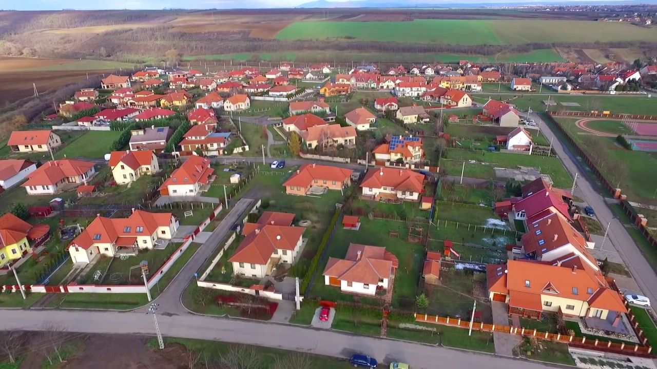 Utazási videók kozelestavol.cafablog.hu youtube.com/viragutazo