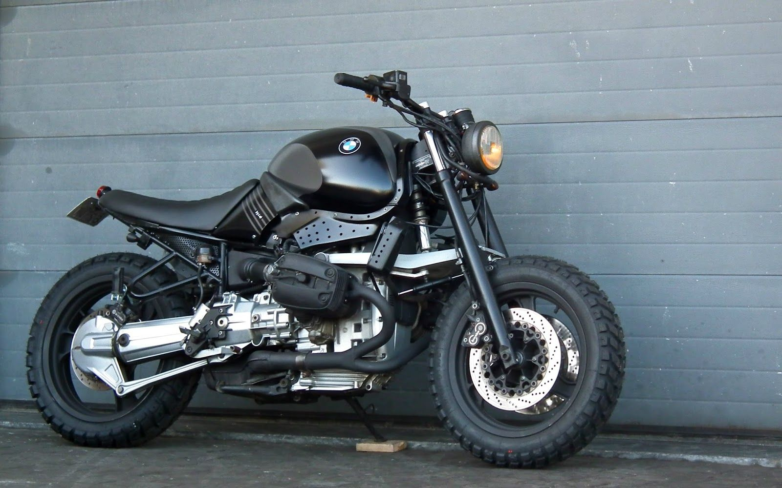 Fat Bastard By Lab Cafe Racer Pinterest Bike Bmw And Motorcycle Motorcycles Portugal R850r