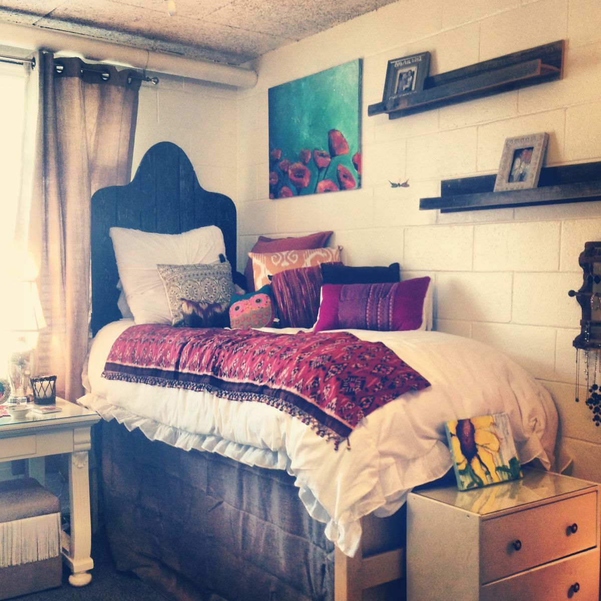 Dorm Décor The Simple Look Dorm Room Dorm And Room Ideas - 4 ideas for a more stylish college dorm