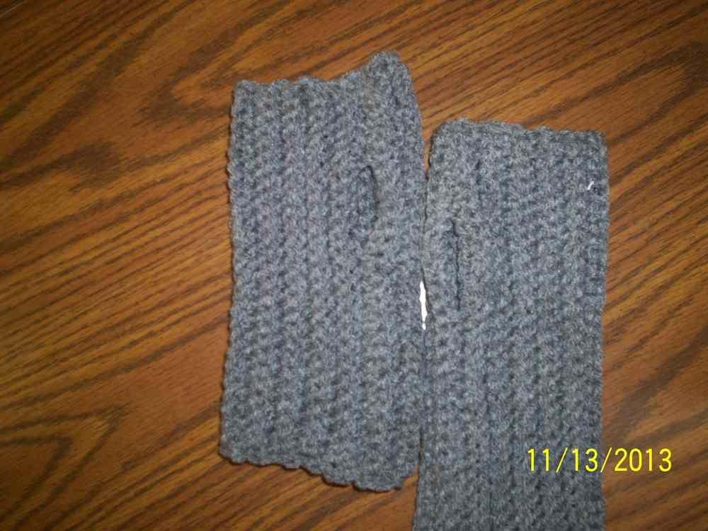 Crochet Fingerless Gloves | FrogleeCrafts | Pinterest