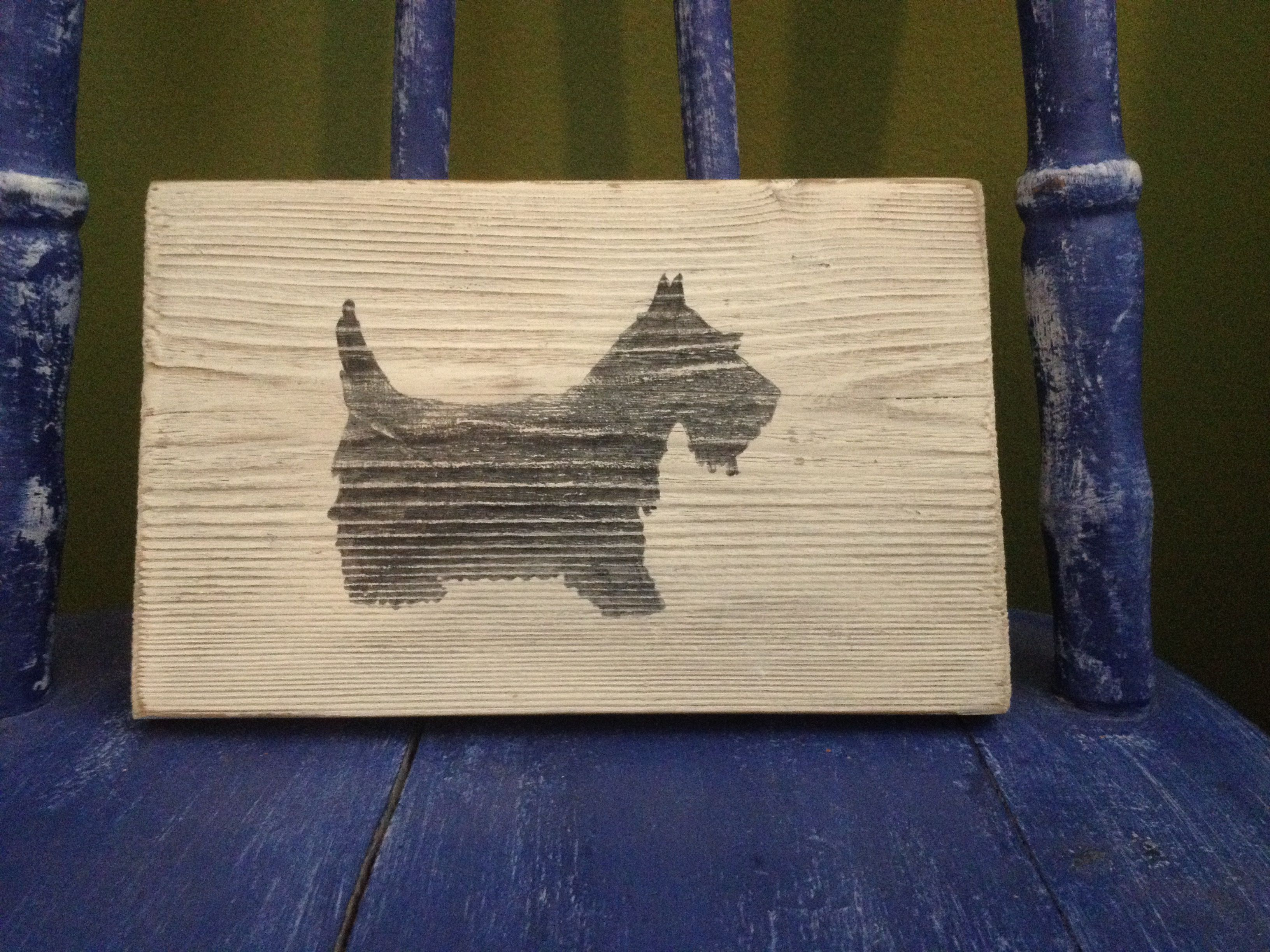 Scottie Dog Sign: After seeing the Wiener Dog sign a friend contacted me to ask if I could do a Scottie Dog sign, too because her Mom collected all things Scottie Dog. I said, of course!