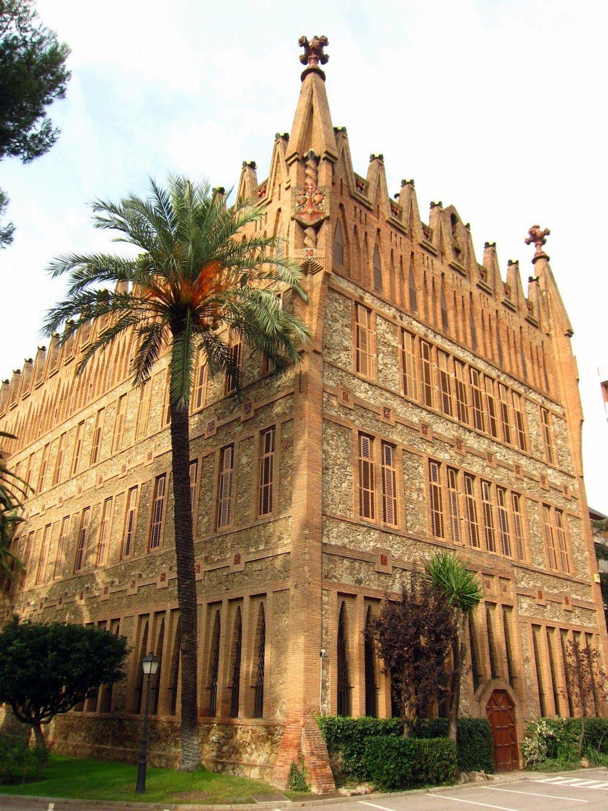 Col legi de les teresianes barcelona gaud pinterest gaudi antoni gaudi e barcelona - Colegio de administradores barcelona ...