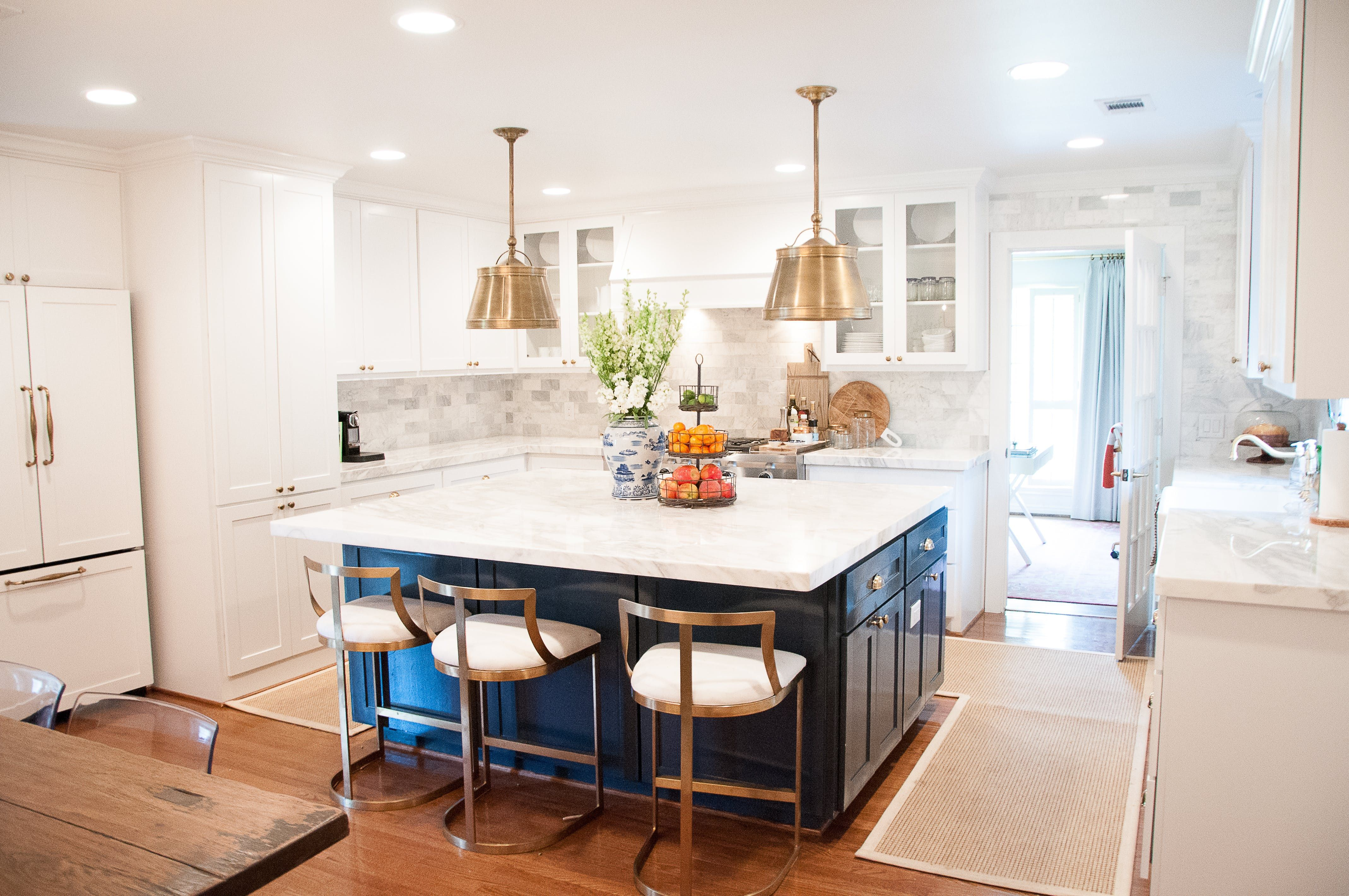 Tour the Timeless Houston Home of the House of Harper | Cocinas