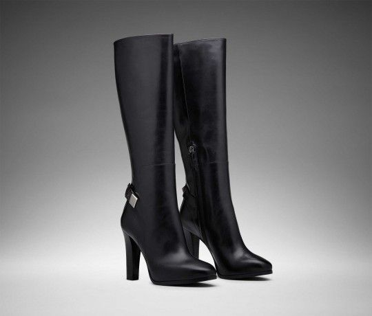 black leather knee-length boots