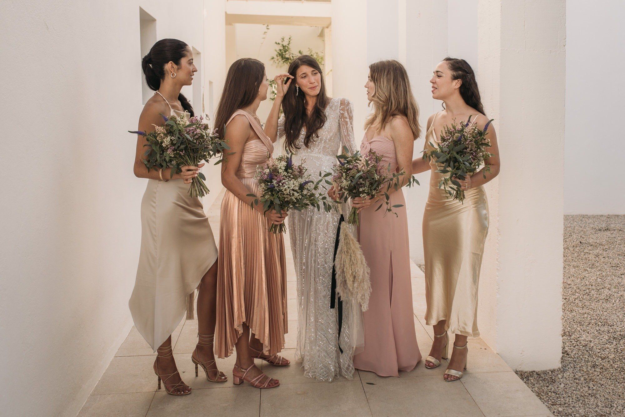 Fall Head Over Heels For These 20 Pairs Of Perfect Wedding Guest