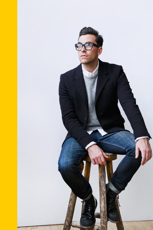 White Shirt Grey Cardigan Black Blazer Worn Over Blue Denim Smart Style For Men Glasses Add A Cute Geeky Blazer Outfits Men Mens Outfits Mens Fashion Smart