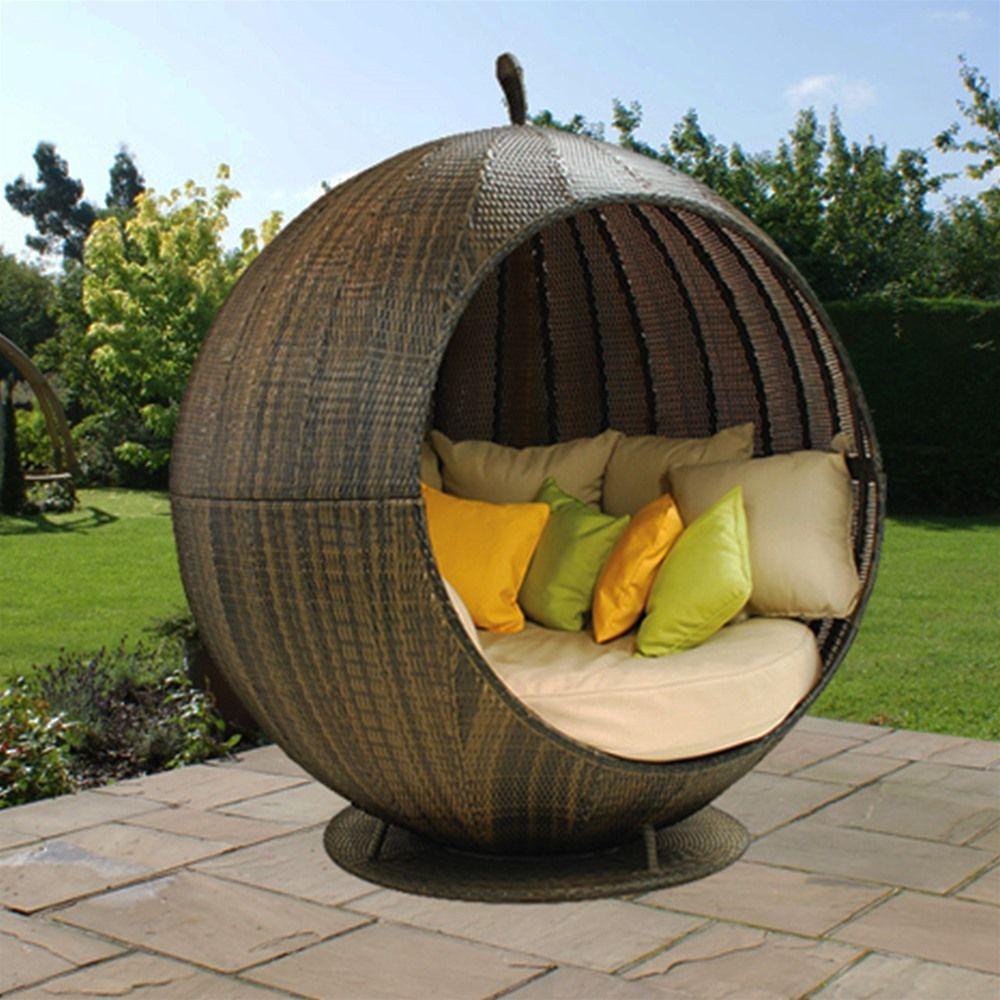 Maze Rattan Apple Day Bed Internet Gardener