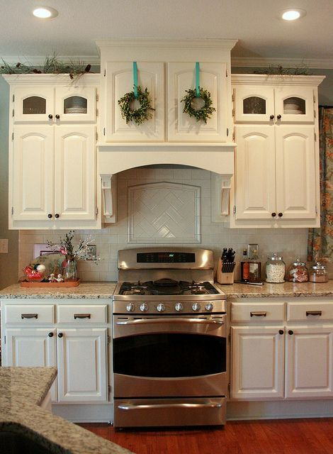 Tiny Boxwood Wreaths Above The Stove Chris Carleton At