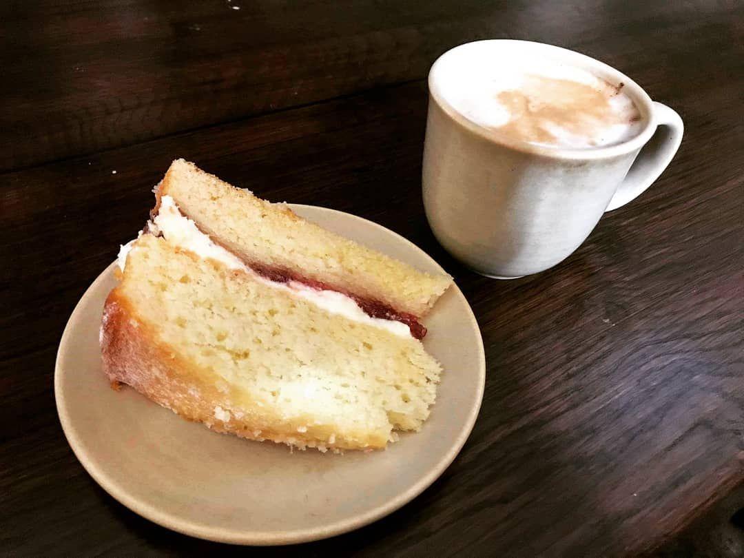 Victoria sponge cake and a hot chocolate 🍰🍫 #snack #victoriasponge #victoriaspongecake #cake #buttercream #jam #hotchocolate #drink #hotdrink #cocoa #yum #tasty #foodies #foo