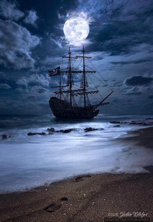 картинки на телефон океан с луной и кораблями течением времени многие