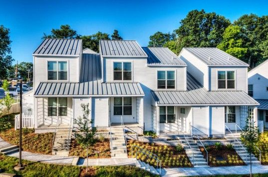 Solar Powered Leed Certified Fairmount Avenue Townhomes Offer Low Income Housing In Tennessee Low Income Housing Building A House Affordable Housing
