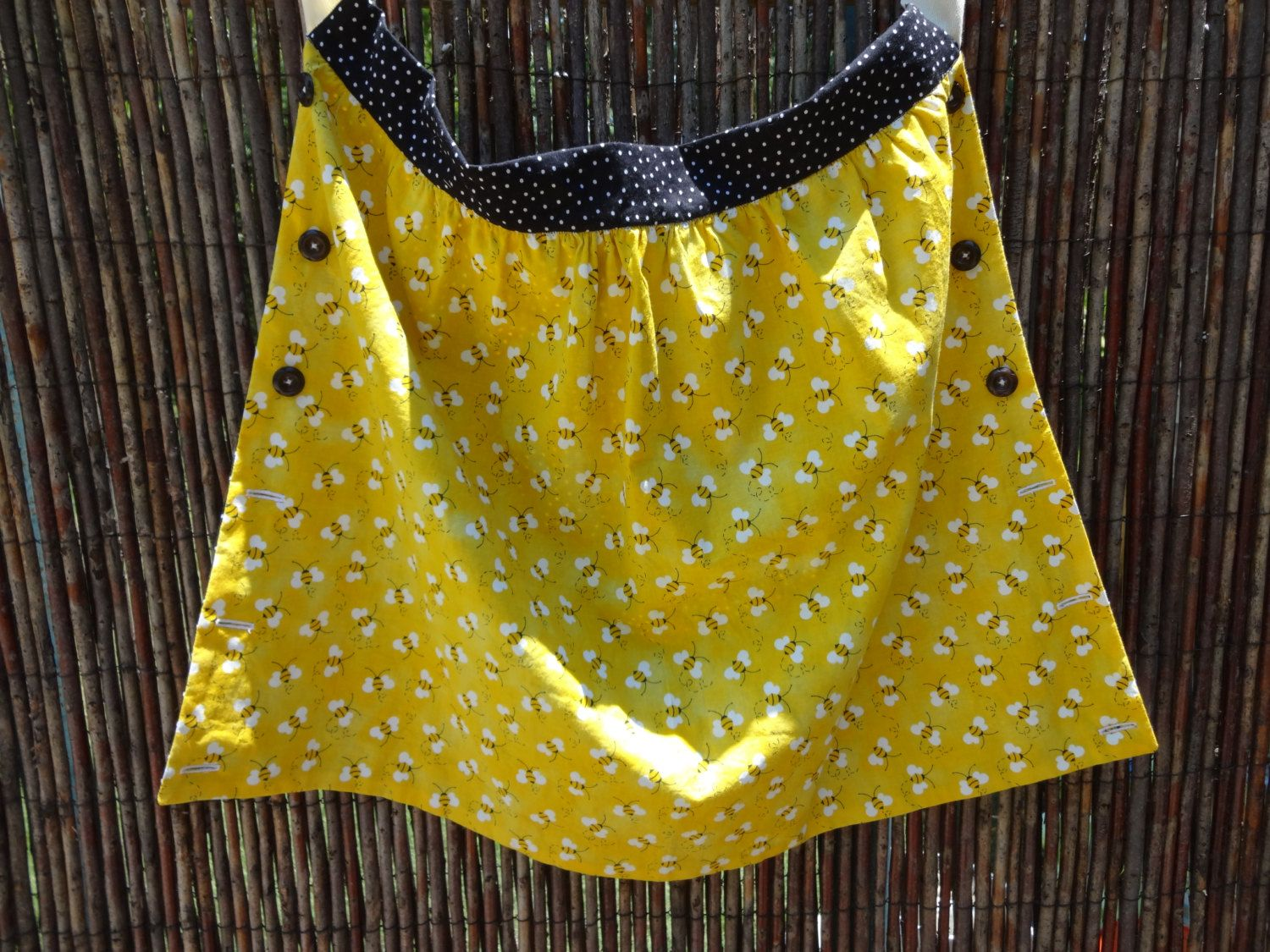 White apron green thumb - Harvest Apron Busy Bees Yellow With Black And White Polka Dots 1 2 Apron Gardener Green Thumb Mothers Day Garden Accessory