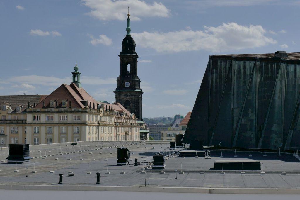 http://www.deutsches-architektur-forum.de/forum/showthread.php?p=570715