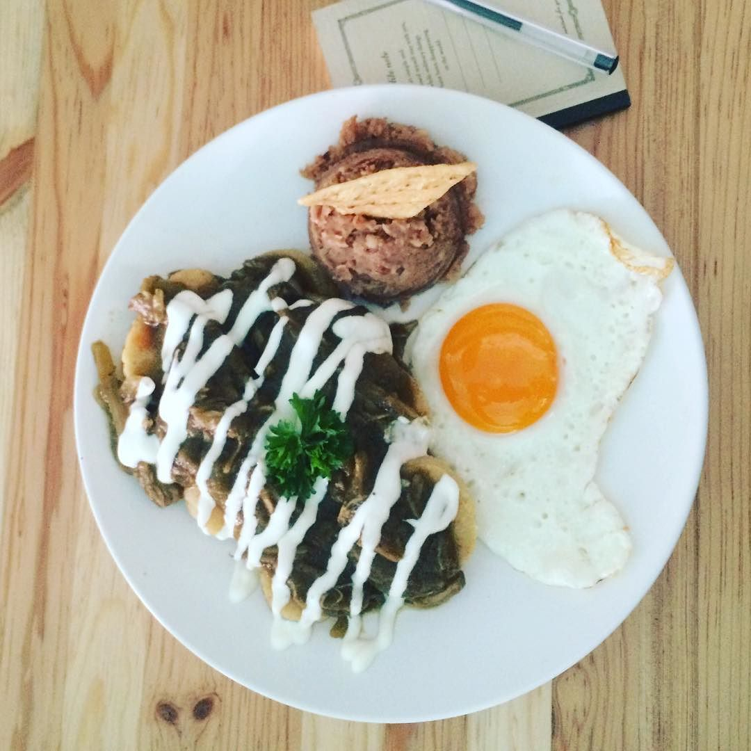 Disfrutando unos ricos tamalquiles en un restorán anónimo de el centro de Gomez  a ver si adivinan de donde son #todaysoffice #tamalquiles #GPD #tamales #lchdrslife #chilepasado #mexico #almuerso