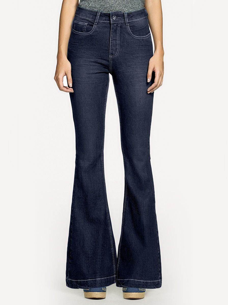 570d790ad Calça jeans feminina hering super flare com cintura alta na Hering ...