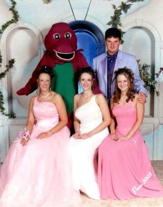 You Dont Want To Miss These Seriously Awkward Prom Pictures - 29 awkward family photos ever