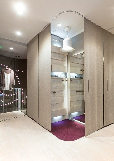 Changing Room At The Princesse Lingerie Shop In Paris Retail Interior Spaces