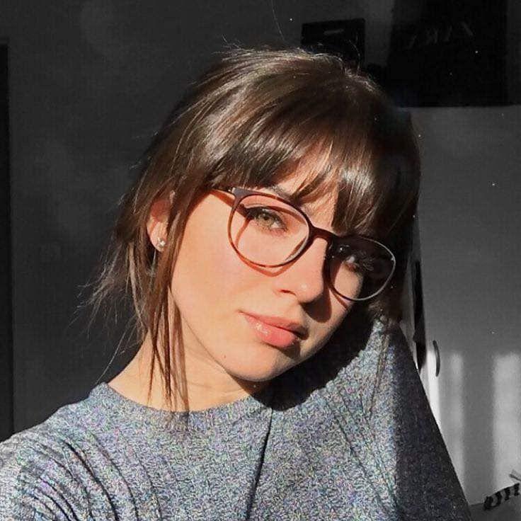 Pin Von Maria Eugenia Delsoglio Auf Friseur In 2020 Pony Frisur Brille Frisuren Lange Haare Brille Frisuren Mit Brille