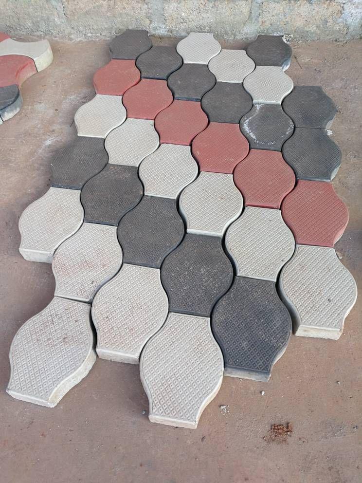 Plastic Paver Brick Mold Pp Material Injection Interlocking Brick Mold Https Zzlya En Alibaba Com Plastic Paver Paving Design Plastic Roof Tiles