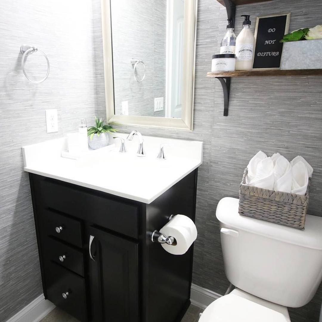 Powder room perfection 🙌🏻 styledbycasanova used our Faux
