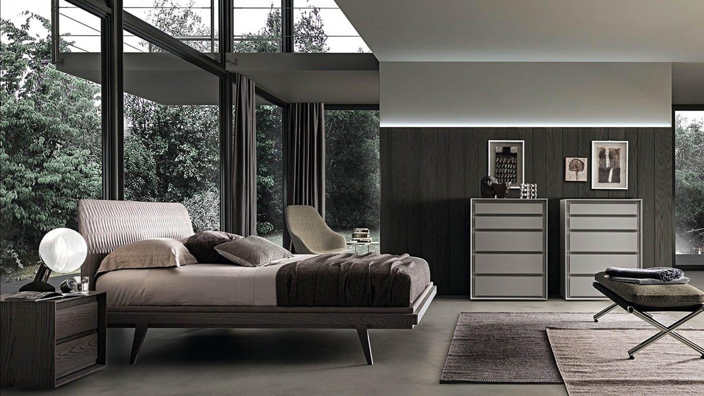 Descrizione 1950's è un letto dalle forme sinuose e leggere, progettato con una testiera bombata, tipica di quegli anni, disponibile...Read More
