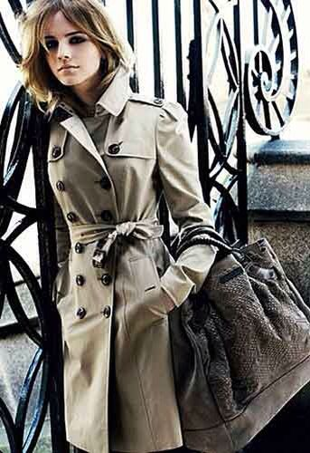 Trench-coat cru, clássico dos clássicos.