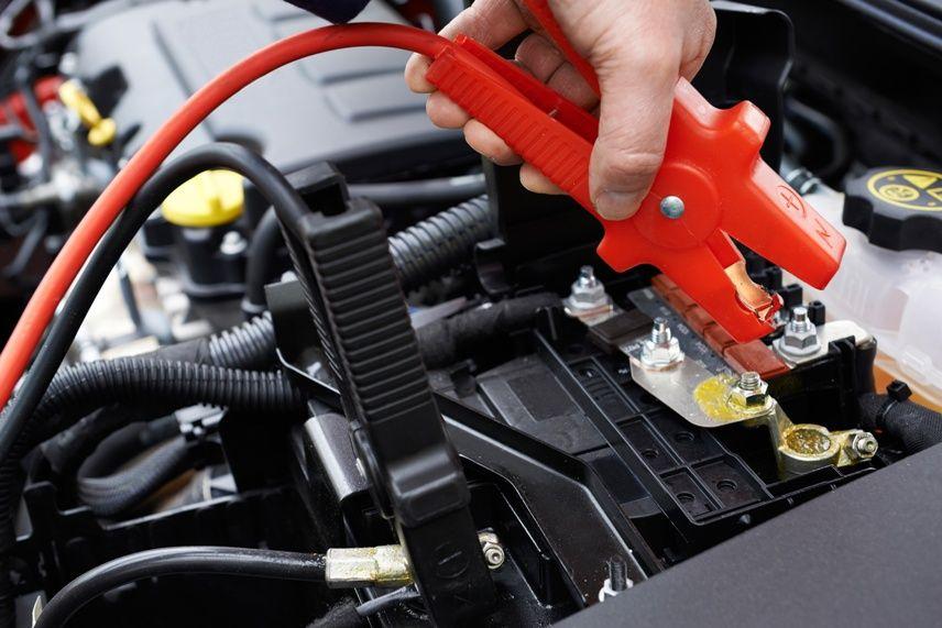 Signs Of A Bad Car Battery >> Warning Signs Of A Bad Car Battery Car Repair Shop Jump